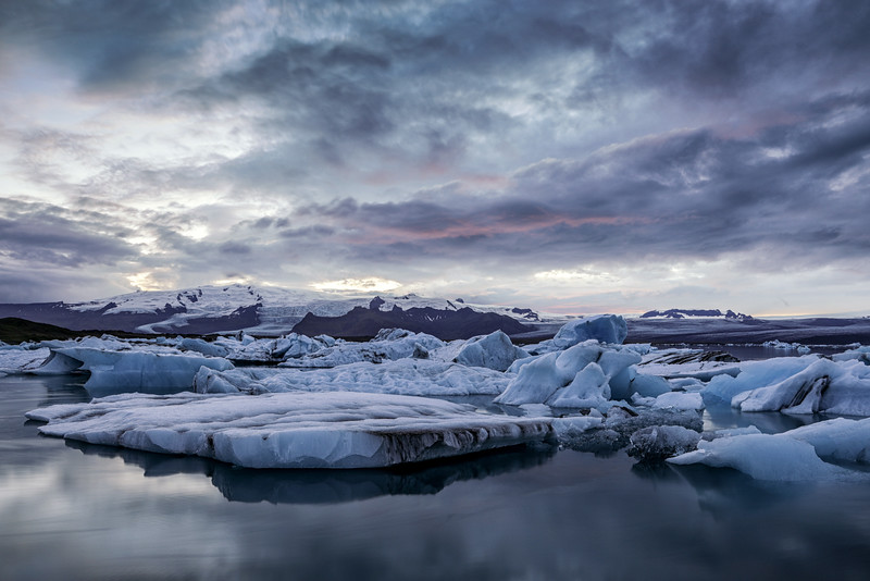 Jökulsárlón Glacier Lagoon on the edge of Vatnajökull National Park, Iceland
