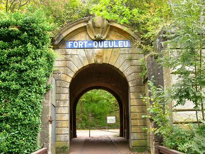 Entrance (2009)
