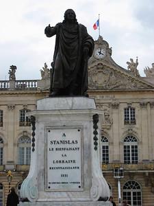 Monument au milieu de la Place Stanislas.