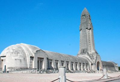 Ossuaire de Douaumont: http://www.verdun-douaumont.com/ (3 languages)