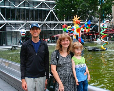 Dave, Heddi & Hunter near Centre Pompidou (Aug 2005)
