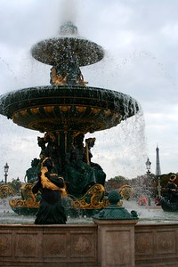 Fontaine & Tour Eiffel (Aug 2005)