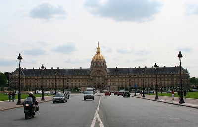 Hotel des Invalides: http://www.aviewoncities.com/paris/invalides.htm The complex known as the Hôtel des Invalides was founded in 1671 by Louis XIV, the Sun King. He wanted to provide accommodation for disabled and impoverished war veterans.