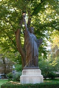 Statue de la Liberte (Jardin du Luxembourg)