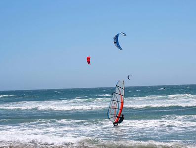 Windsurfing and kite surfing around Half Moon Bay