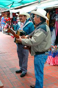 Mexican music (El Pueblo)