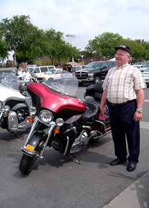 Papa & une moto Harley a Costa Mesa (Fairground)