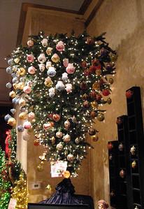 Upside down tree www.statsfloral.com