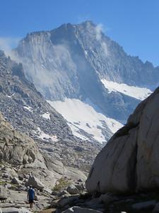 Hiking back to Precipice Lake