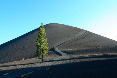 Trail to Cinder Cone