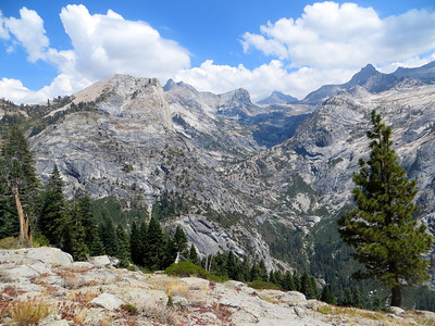 Day hike towards Tamarack Lake