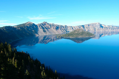 First glimpse of Crater Lake. Magnifique!!