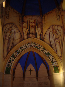 At the Santa Barbara cemetery, the chapel contains the treasured frescoes of world-renowned artist Alfredo Ramos Martinez, and they are rated among the finest mural paintings in the entire country.
