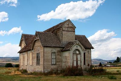 I like that historic house