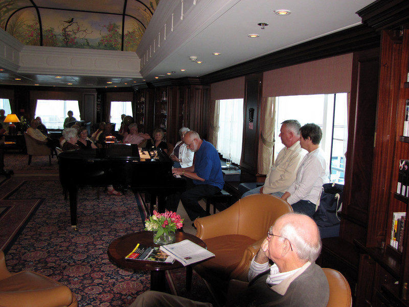 ALAN WENBERG ENTERTAINING PSC GROUP IN AZAMARA LIBRARY
