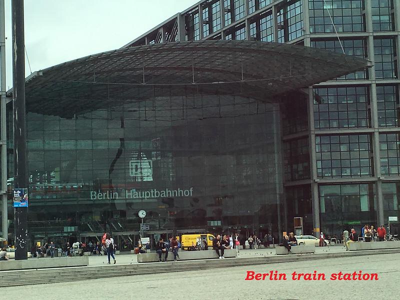 20160803j - Berlin Hauptbahnhof (1) text