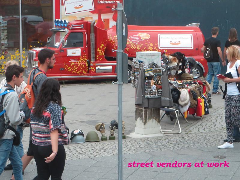 20160803l - Checkpoint Charlie (4) street vendor