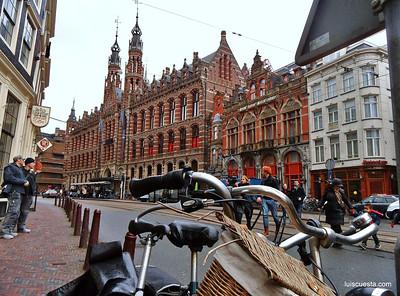 Amsterdam - street scene - bikes and pedestrians