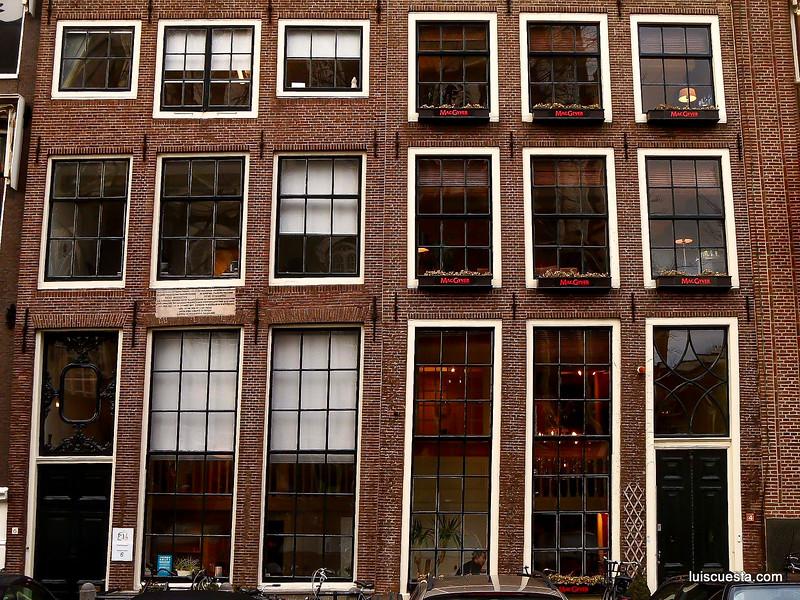Amsterdam - building's facade