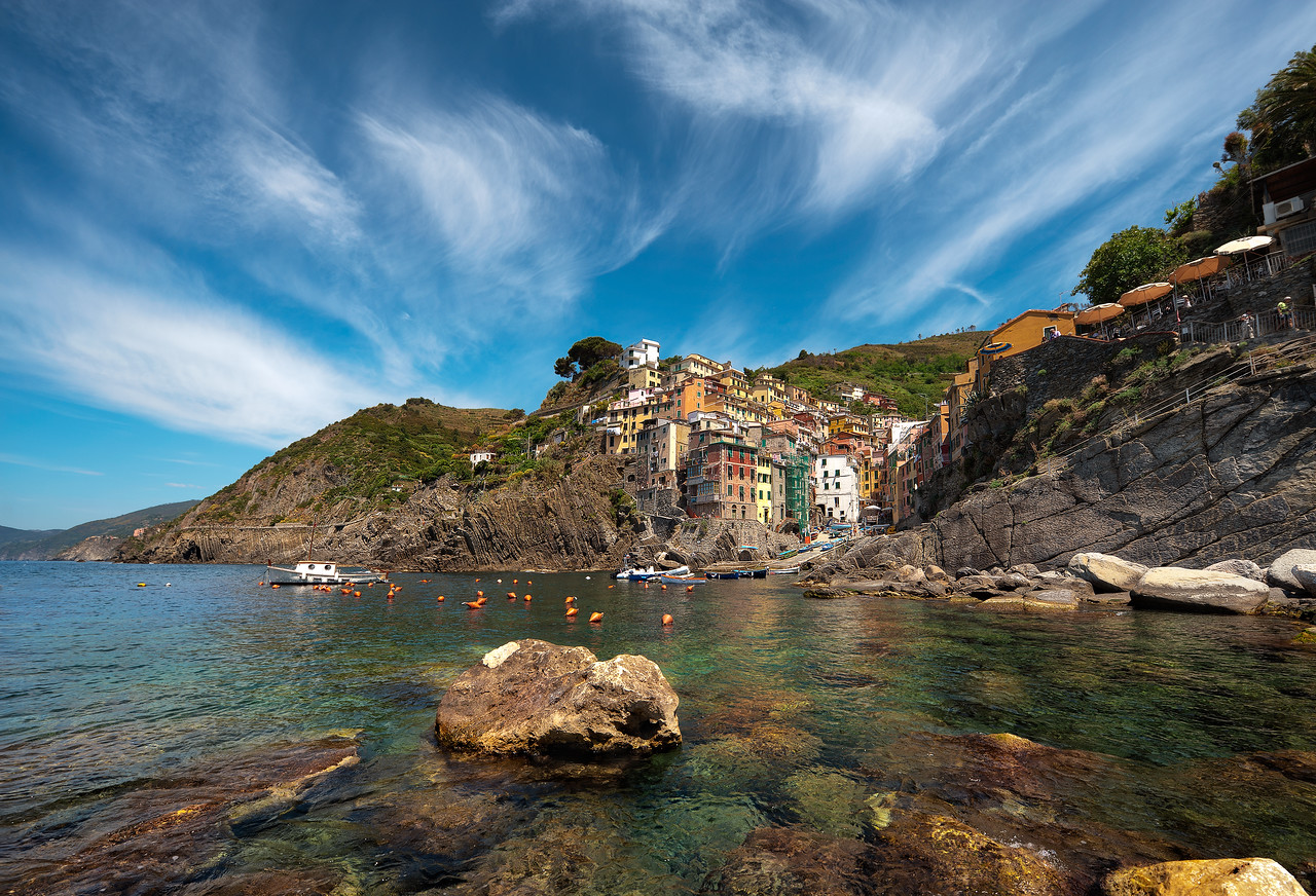 Summer On the Rocks || Riomaggiore Italy