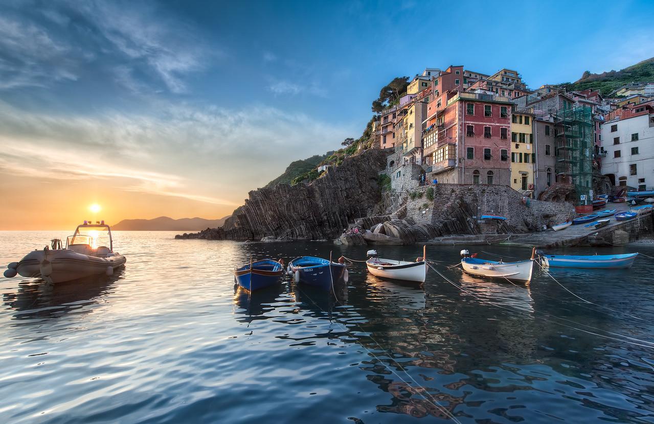 A Riomaggiore Sunset || Cinque Terre Italy