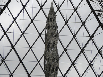 Wim Delvoye sculpture Louvre museum