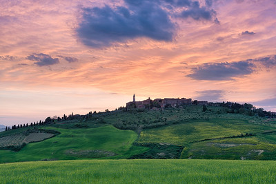 Colors In The Sky || Pienza Italy