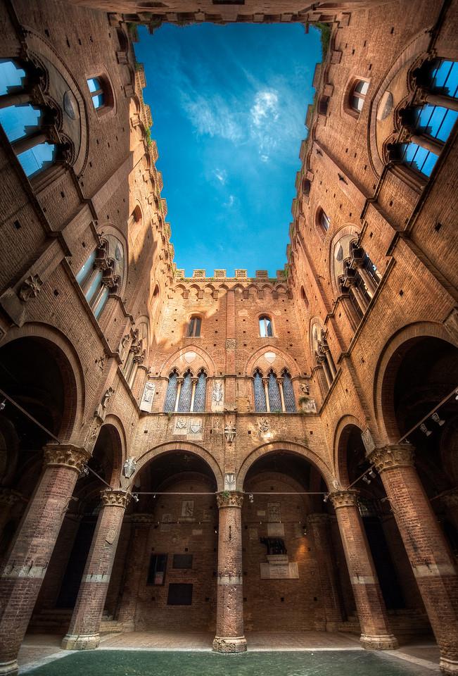 Ancient Skylight || Siena Italy