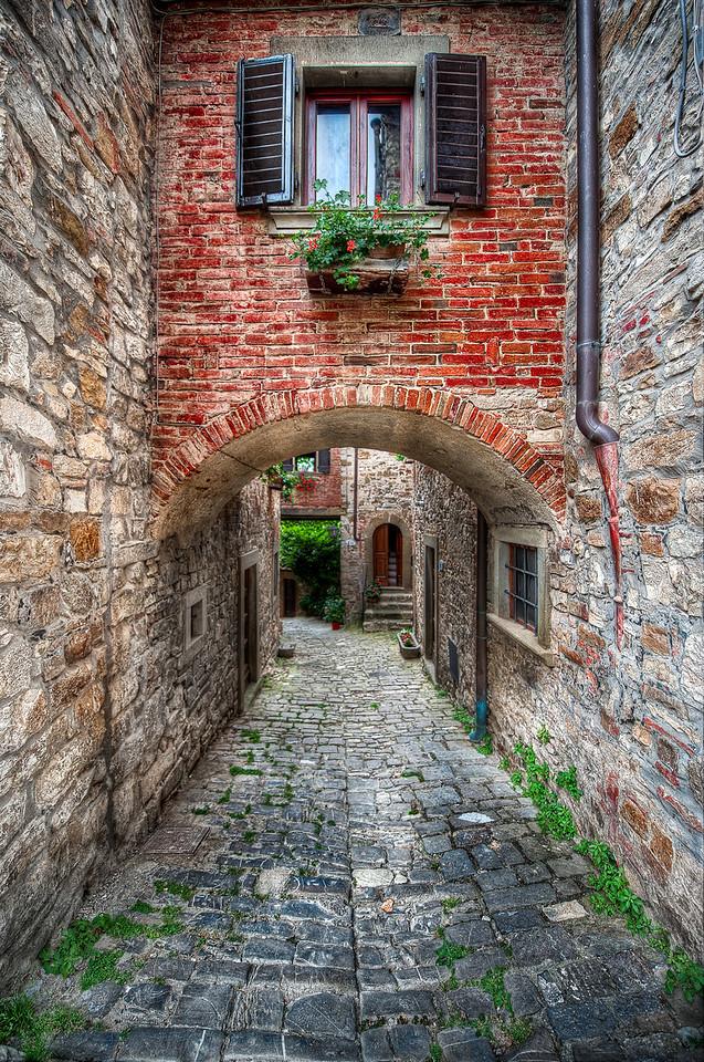 A Textured Path || Tuscany Italy