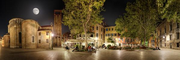 A Moonlit Stroll - (Venice - Italy)  Read more at: www.blamethemonkey.com