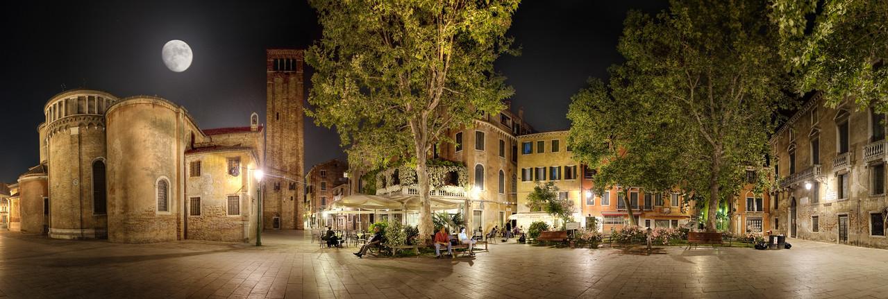 "<b>A Moonlit Stroll - (Venice - Italy)</b>  Read more at: </b><a href=""http://www.blamethemonkey.com"" target=""_blank"" rel=""nofollow"">www.blamethemonkey.com</a>"