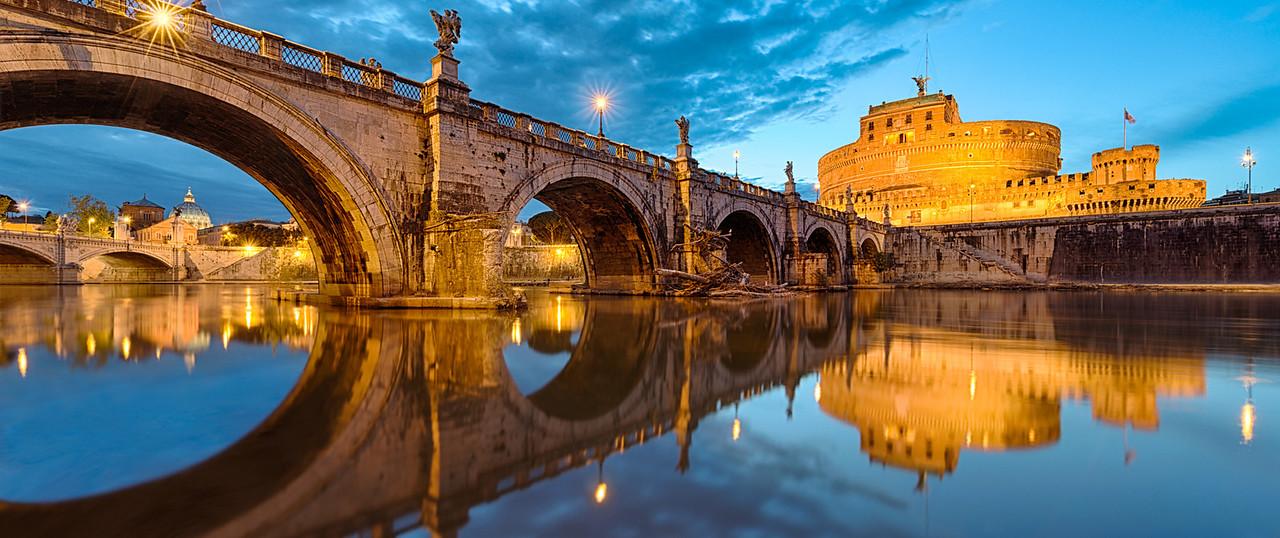 Venetian Blues || Italy