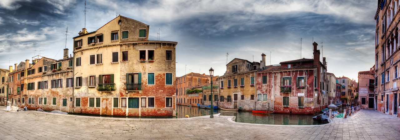 """</b>The Colors Of Venice - (Venice, Italy)</b>  Read more at: </b><a href=""""http://www.blamethemonkey.com"""" target=""""_blank"""" rel=""""nofollow"""">www.blamethemonkey.com</a>"""