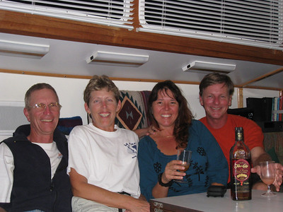 Sailed into Marathon to find our good friends, Rich and Jan on Slip Away who are heading to Mexico.  I went thu the Panama Canal with them on a test run on someone else's boat way back in 2007.