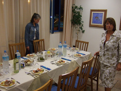 Sicily0046 Eating 01