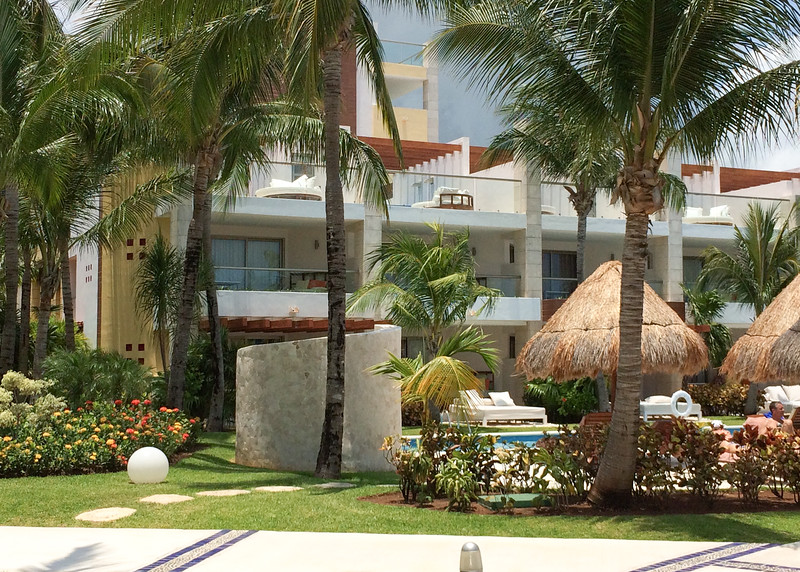 Building 9 - the Honeymoon suites which face the ocean and the main pool.
