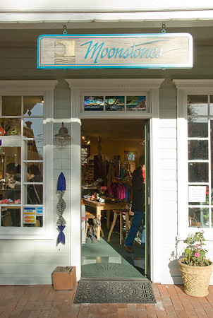 Downtown Cambria, Moonstones