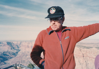 Ecology Lecturer on East Rim Tour