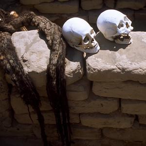 Skulls Cementerio de Chauchilla Nazca, Peru