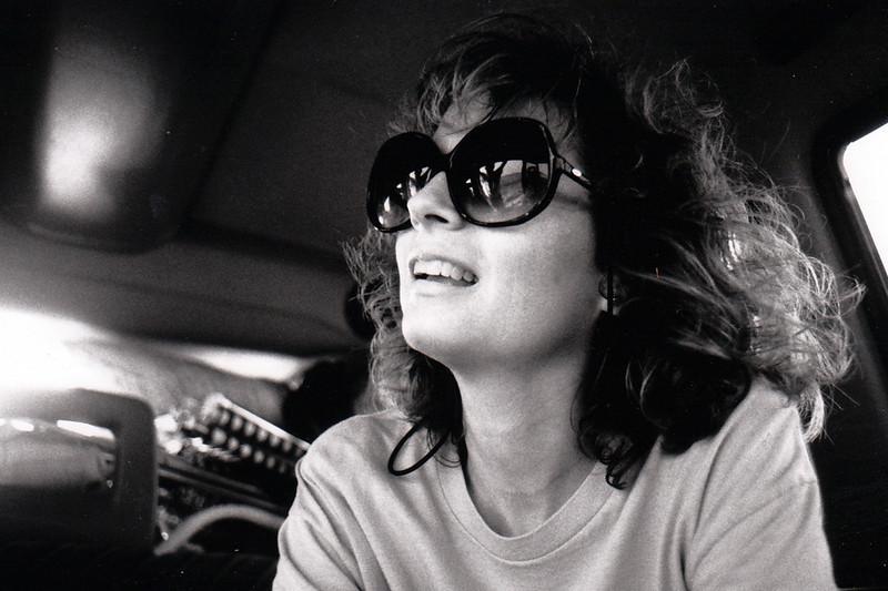 CAROLYN<br /> She kind of looks like Susan Sarandon in those sunglasses, doesn't she?