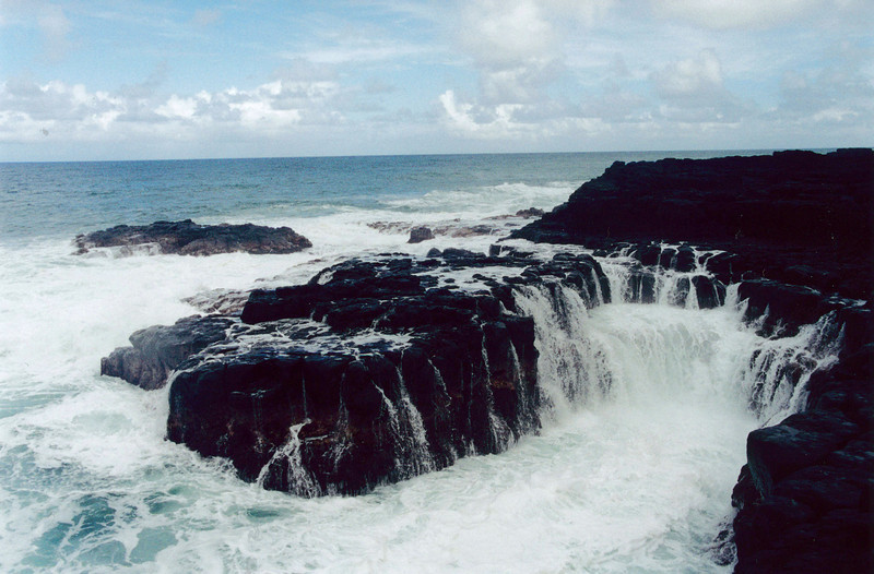 Kauai: The Queen's bath near Princeville on the northshore of Kauai.