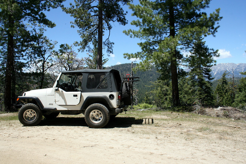 Our first Jeep trip up to the Mountains was up Highway 180 to the Sequoias. We found an amazing set of offroad trails and can't wait to get up to see more!