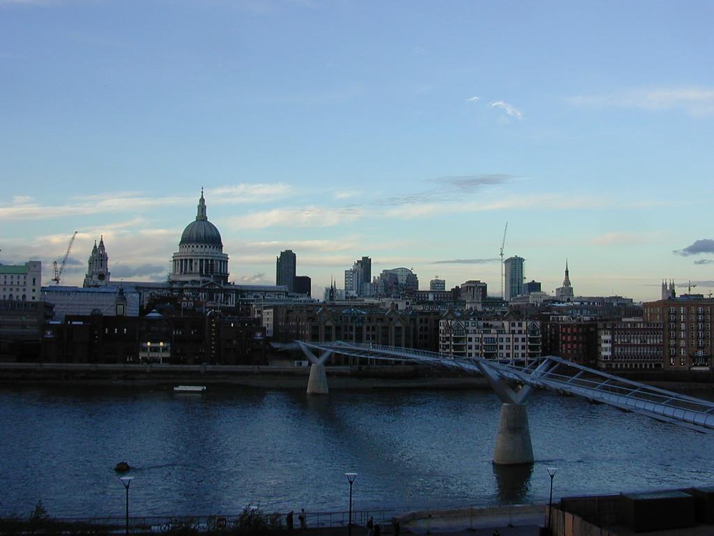 New Thames bridge