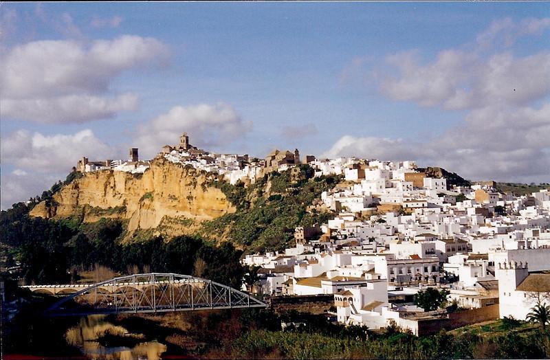 Arcos de la Frontera, Spain's most famous Pueblo Blanco (white village).