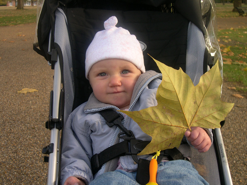 Kelly with leaf in Hyde Park