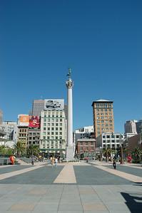 Union square park正中央的Dewey將軍紀念碑