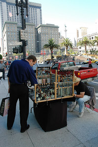 Union square協對面的小攤販,賣些亞洲項鍊飾品