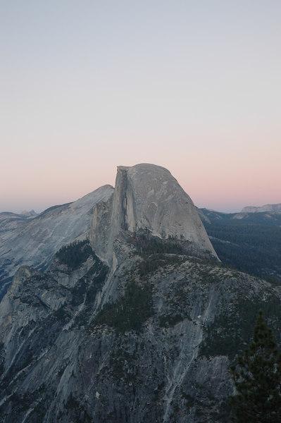 遠眺half dome,後來才知道他有個正式名字叫做El Capitan