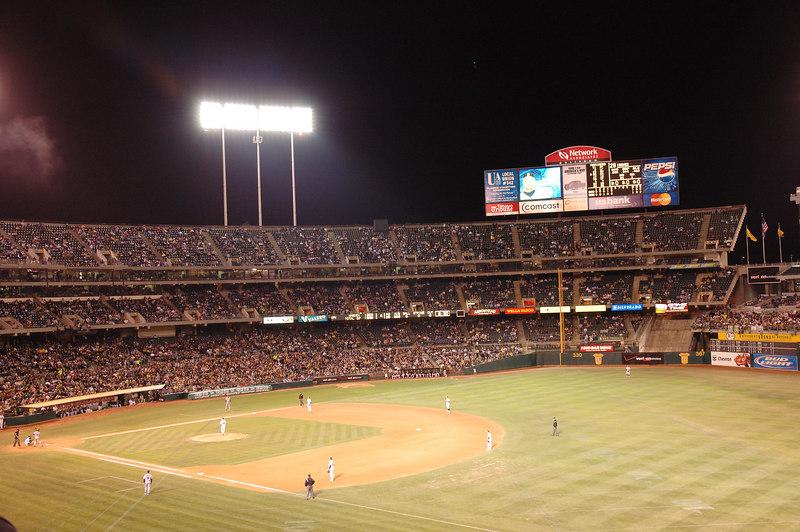 晚上來到Oakland Athletics主場McAfee Coliseum,為了來看Ichiro破單季安打數記錄