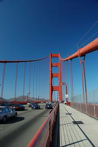 橋上的人行道